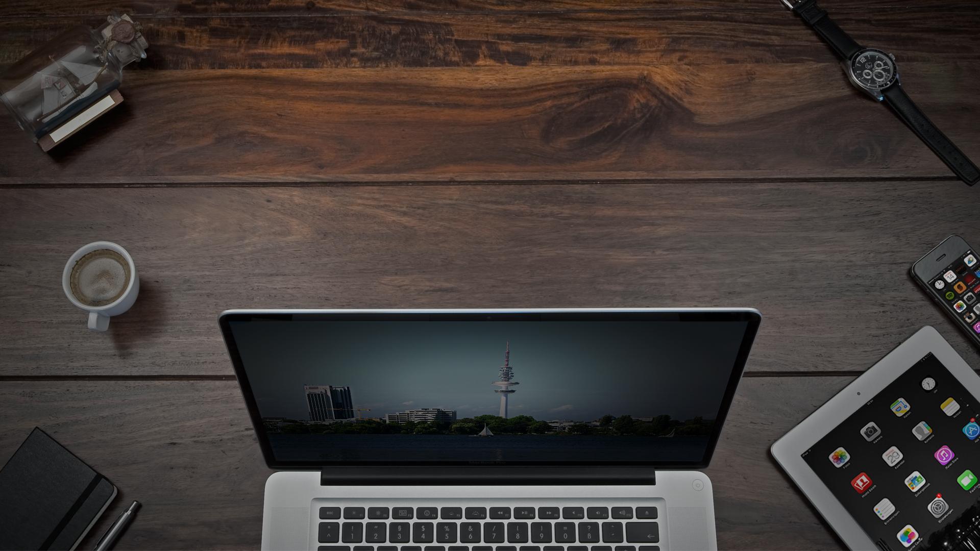 Schreibtisch_lionment-16zu9_desktop