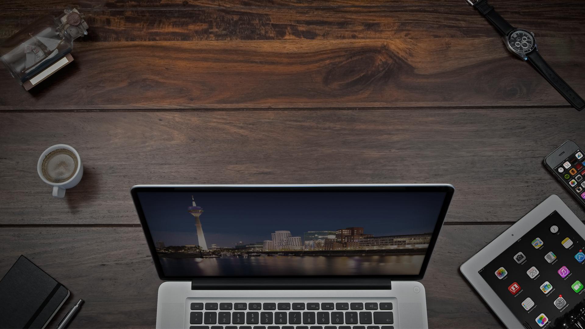 Schreibtisch_lionment-16zu9_desktop_D